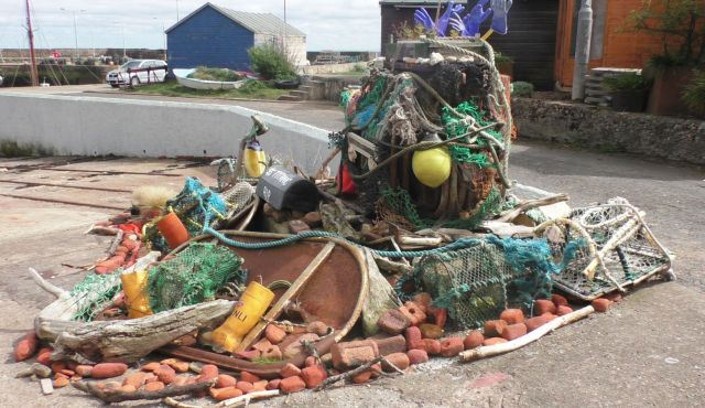 S1100045 sculptural dump